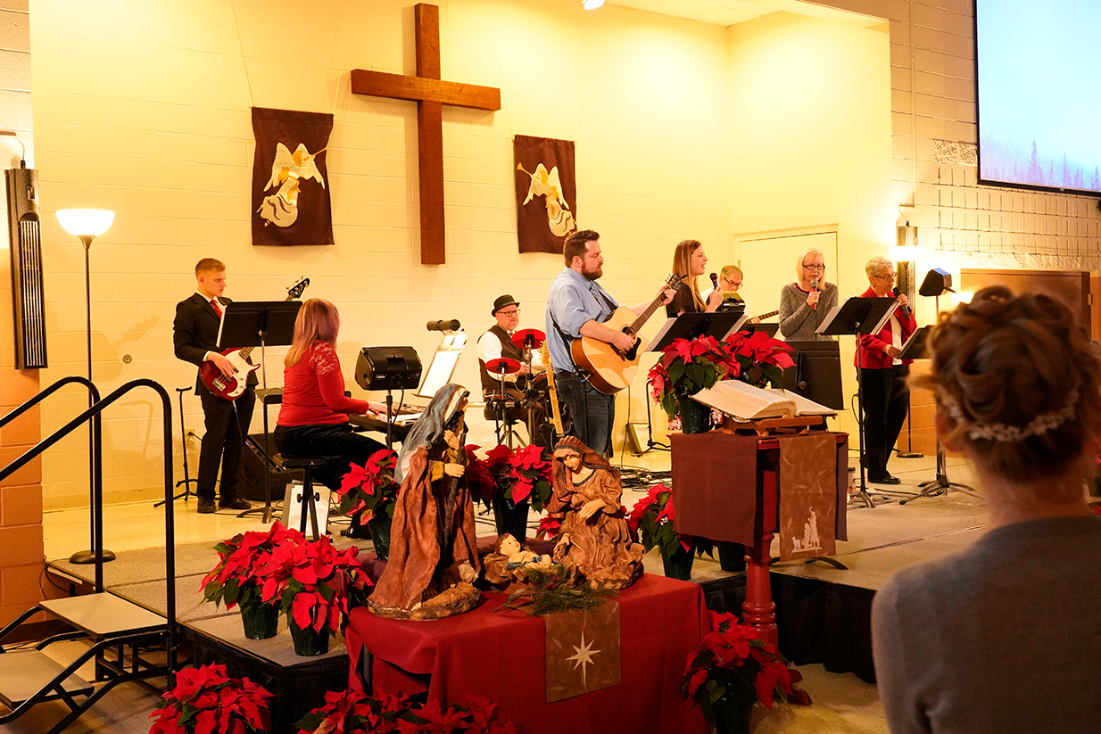Christmas Eve Modern service worship band